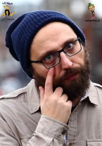 Luca Vullo interpreta alcuni dei più utilizzati gesti