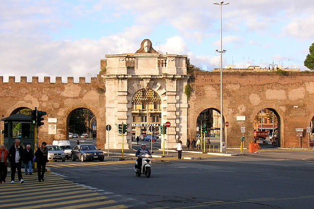 640px-Porta_San_Giovanni_Roma_2