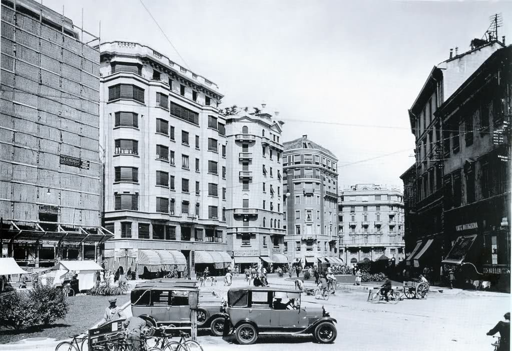 Milano,_largo_Augusto_01